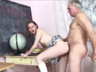 hd Young student gets a mature fat guy on her cumshot